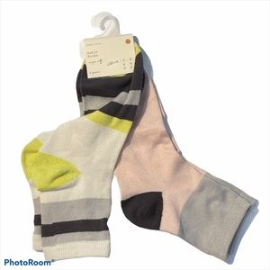 A New Day Size OS Two Pairs of Ankle Socks NWT